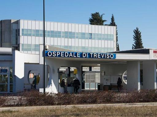 L'ospedale Ca' Foncello, dove è ricoverato uno dei ragazzi