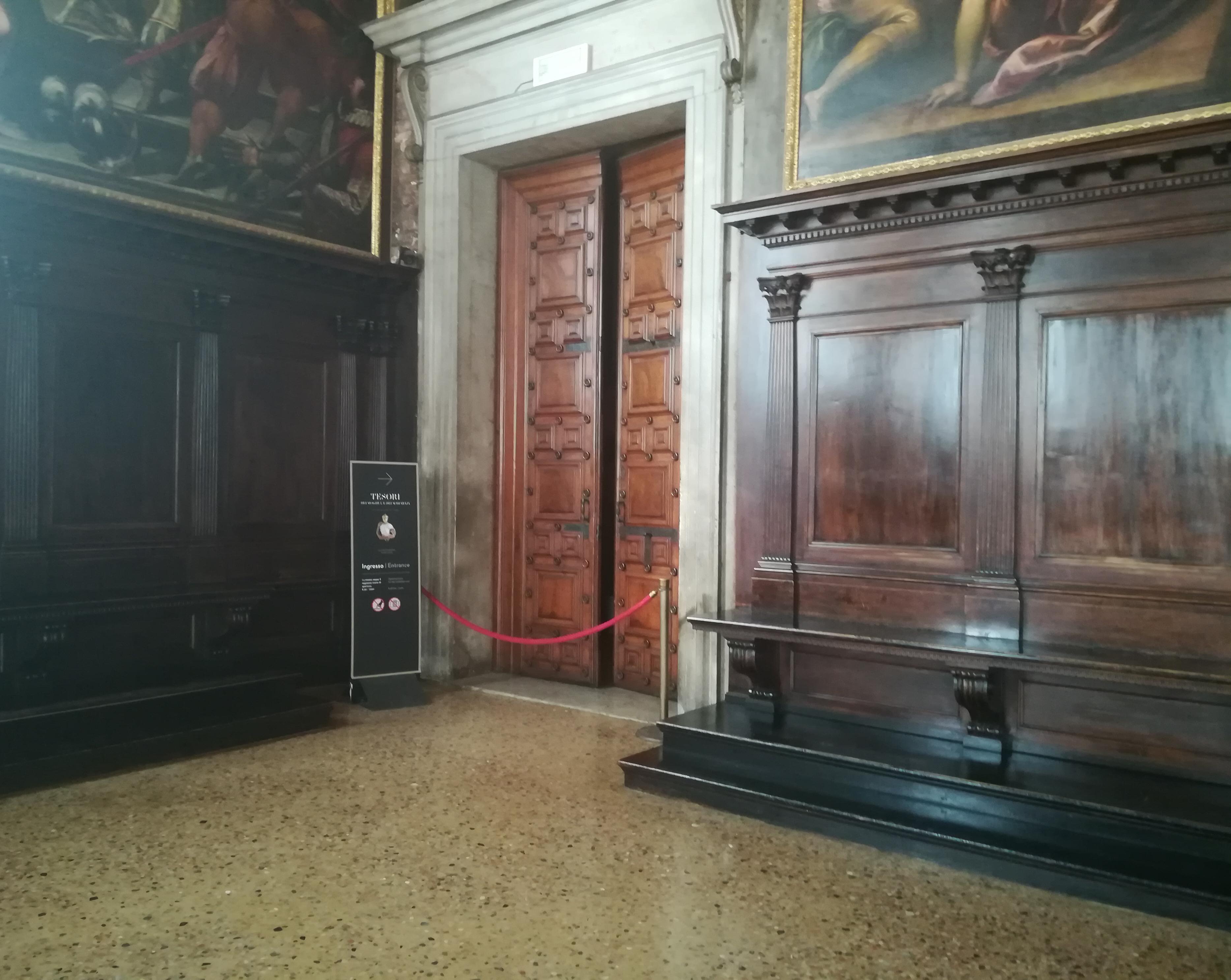 Venezia rubati gioielli in mostra a palazzo ducale for Mostra cina palazzo venezia